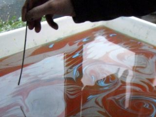 Art of Paper Marbling - Marbling process